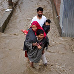 LIVE: Kashmir floods kill 10; CM Mufti Sayeed assures compensation to victims http://t.co/xdxiNOlVt0 http://t.co/nvOr6GHiUS