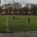 Hinter Gittern. @jpsp47 und Stankevicius machen Extra-Training mit Edward. #h96 http://t.co/XOXoKzuc3T