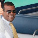 """HaadhaMajaaBaEkey @vaavu: MDPge Raeeskan Nasheed ah gelley gothah majileehun bileh faaskohfi  http://t.co/LlhTocXsH3 http://t.co/5YxW5kH0k0"""""""