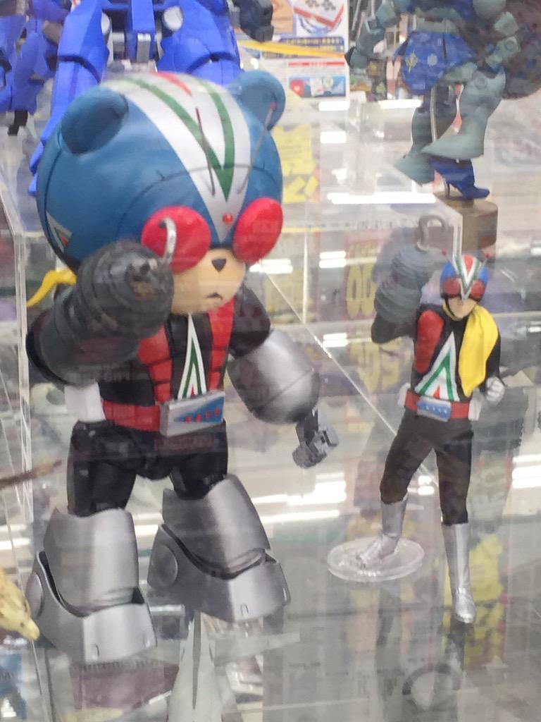 おもちゃ屋でめっちゃテンション上がった http://t.co/hS1gcEZVdZ