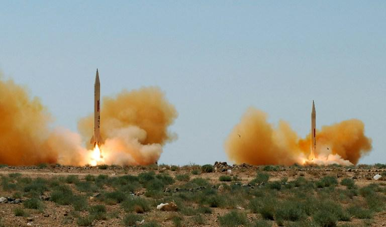 """#Syria regime reportedly planning to """"destroy"""" #Idlib with Scud missiles, chlorine gas http://t.co/S1ipfKOL19 http://t.co/szWJubx9zz"""