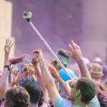 Festivals are banning selfie sticks: http://t.co/uVVy6sfqaE http://t.co/FFa9lUpBpA