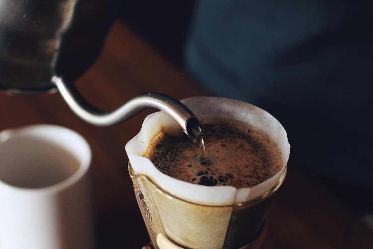 Coffee Science Manager @EmmaBladyka explains hydrolysis in the coffee brewing process #AskEmma http://t.co/0cUJwChrGF http://t.co/R6XbhKhStC