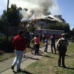 Incendio en #Temuco . Edificios Simón Bolívar , al frente de la #ufro y ciclovía http://t.co/bKckb6uaUW