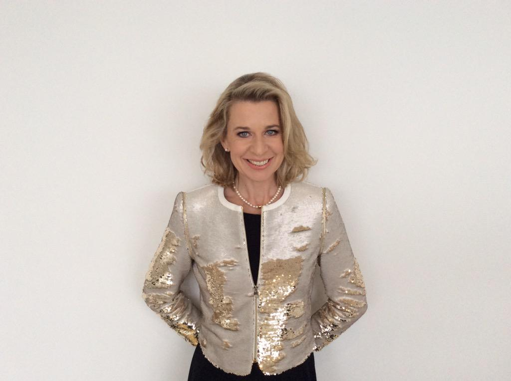 #sunperks @TheSunNewspaper @KTHopkins getting ready to entertain 250 people at #sunhq http://t.co/ZD9US8bbEa