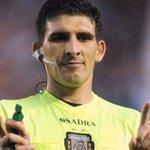 Andrés Merlos volverá a dirigir en Primera luego de su recordada actuación en Lanús - Arsenal: http://t.co/fhh0G9aXky http://t.co/QIbkwSsa9O