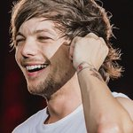 si louis no te hace dar rt no se quien mas lo hará. I vote for #OneDirection #TheyreTheOne @radiodisney http://t.co/Fza80pLbOH