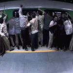 Pegadinha de Silvio Santos com zumbis no metrô repercute no mundo; veja vídeo http://t.co/ezQKOHrduQ http://t.co/VPPNEn2nla