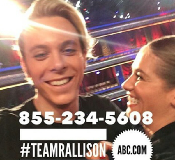 EVERYONE VOTE FOR #TeamRallison at 855-234-5608 @rikerR5 @Allisonholker @rydelR5 @rossR5 @ratliffR5 @rockyR5 http://t.co/vJZHQwXbec