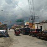 Tráfico en Cuatro Caminos, ruta hacia Quetzaltenango @stereo100xela http://t.co/N7yVwuo9lb