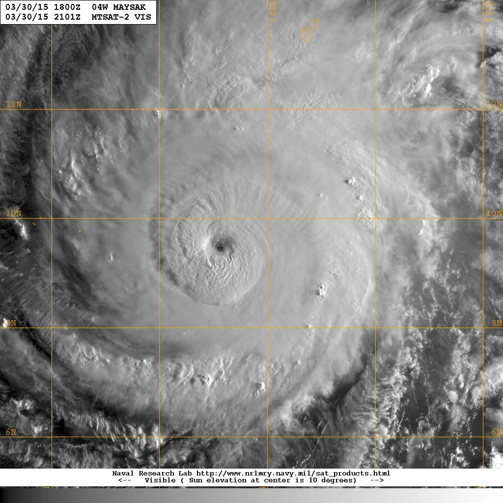 Typhoon #Maysak in the early morning sun - Wow. #Philippines http://t.co/x0UeNvwC9D
