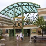Man Torn Between Boycotting Indiana, Visiting Evansville Zoo http://t.co/Bb5q9VEzg9 http://t.co/vfMEP14Zaw