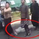 Morto cai de caixão e é esquecido durante caminhada em funeral (via @gadoobr) http://t.co/LdE6W7ZZrN http://t.co/2gQXzmiAFq