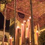 """""""Omnes sitientes Venite ad aquas"""" (todos los sedientos venid a las aguas) reza la bambalina de la Virgen del Museo. http://t.co/EbA3NnDQUt"""