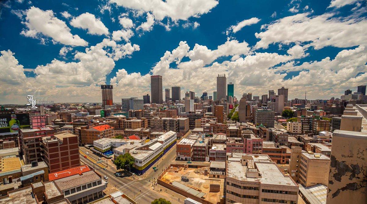Goooood moooorniiiiiing Johannesburg! Here's a sick shot of the city from a special vantage point. #CreateWithCanon http://t.co/qKexj91qOT