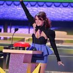 dulce eres nuestro orgullo ganadora Artista favorita latina de los @KCAs2K15 eres la mejor idola del mundo RT http://t.co/evQCZNwDR1