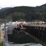 Queen of Cowichan in back ground at Horseshoe Bay, which assisted in passenger overboard @BCFerries #cbc http://t.co/tgZbfmqGsB