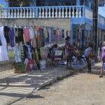 #Hecelchakán: Reja escolar es usada como mostrador de ropa; hay molestia entre la ciudadanía. http://t.co/AObl0ww33s http://t.co/1obuX3iZ8a