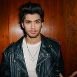 .@NaughtyBoyMusic Just Leaked @zaynmaliks First Solo Track http://t.co/3cnVxMZOHw via @JennaGuillaume #OneDirection http://t.co/SaPpUWiVXH