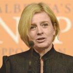 Notley criticizes welfare budget cuts as four more children die http://t.co/QfdRJQOnM0 http://t.co/StGxf40rjr