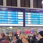RT @steffen3340: Lauter Ausfälle und Verspätungen am Düsseldorfer HBF. #Sturm #Düsseldorf #Bahn http://t.co/LJ8oVc6rvx