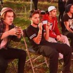 Other fandoms are looking at the One Direction fandom be like: #masterofallwisdom http://t.co/yaq5JDqNdB