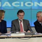 """Rajoy en la última ejecutiva del PP ante la falta de propuestas: """"¡Qué hable alguien!"""" http://t.co/iWfzoX8u7F http://t.co/wyAPWBY2Oa"""