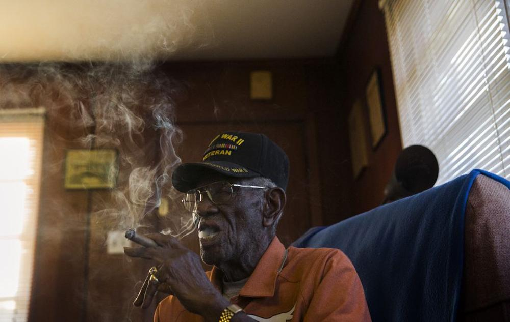 A salute to Richard Overton.  108 year old cigar smoking veteran. #BOTL @CigarsFWarriors http://t.co/giQPWAKz6w http://t.co/k7pThdz9Gz