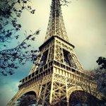 #TalDíaComoHoy en 1889 se inauguraba la Torre Eiffel ;) uno de los destinos preferidos esta Semana Santa. #JoyMadrid http://t.co/SSql9NmMTb