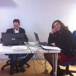 Il tavolo di lavoro che permette lo streaming live di #makeinsouth15 grazie a @tree_hr_ http://t.co/seyAphvgIr