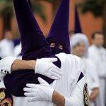 Feliz estación de penitencia a todas las Hermandades del Martes Santo. #SSanta15  (Foto - El Mundo) http://t.co/mH2NgZqq16