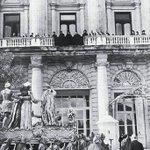 #SemanaSanta en #Madrid años 20. Un paso delante del Palacio Real @Unsereno @RetoHistorico @Ls_Madriles http://t.co/cPWOyid2CO