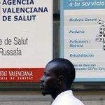 Los inmigrantes sin papeles volverán a tener atención primaria pero no tarjeta sanitaria http://t.co/yfwromLaqw http://t.co/UczLFknwu5
