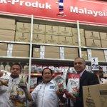 265 cwgn Mydin termasuk 165 Kedai Rakyat 1Msia seluruh negara tidak naik harga sbb GST. Peniaga2 perlu contohi Mydin. http://t.co/jXBarw9Tis