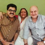 Had the most delicious Kashmiri lunch at my friend @ashokepandit 's place. Was great to get his mother's blessings.:) http://t.co/1zc0neZEwS