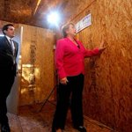 Estas son las renovadas viviendas de emergencia que enviará el Gobierno al norte. EN FOTOS → http://t.co/fFUTbA0wSo http://t.co/cm3V4sg0Hn