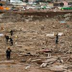 Tragedia en el #NortedeChile : Reporte oficial indica 18 fallecidos y 49 desaparecidos http://t.co/PUYTsOSceU http://t.co/pfGCYGiIKP