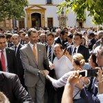 Imágenes de la grata visita que recibimos ayer por parte de Su Majestad @SMelReyFelipeVI. (Vía @abcdesevilla) http://t.co/5ukJxs5OBf