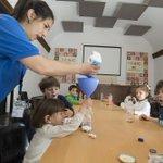 """Hay más de 50 niñ@s en nuetro campamento de #SemanaSanta con @ProyectoBuho En la foto, los más pequeños, los """"nido"""" http://t.co/WoRZKiEasv"""