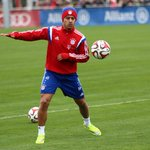 Intensidad y concentración en el entrenamiento. El #FCBayern prepara a conciencia el #BVBFCB. http://t.co/2GqVqJV9km