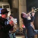 【コレクション速報】スカパラが生演奏 バーバリー新ライセンスブランド「クレストブリッジ」デビューショーをレポート http://t.co/SkiWGopgoJ #fs15aw http://t.co/NkO3IhLbdF