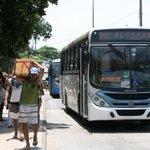 No Rio, triste rotina: assaltos pela janela do ônibus se tornam cada vez mais comuns. http://t.co/AzQPSDqE59 http://t.co/AXASB5WERO