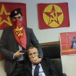 Grupo armado toma de rehén a un fiscal en palacio de Justicia de Estambul http://t.co/S4lKvZ6YMe http://t.co/XNwPFUmNhM