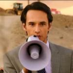 "Revisa acá el primer trailer completo de ""Los 33"", la película sobre los mineros. VIDEO. http://t.co/puKvqkBUML http://t.co/t6DRMB5gr5"