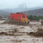 #NortedeChile Nuevo video muestra impactante fuerza del río Salado arrasando con todo http://t.co/SXy4C9KGxx http://t.co/d1VCshSO40