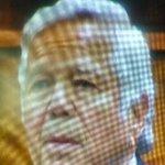 Bob Kraft being shown his affidavit to help refresh memory of conversation with #AaronHernandez. #7News http://t.co/33tUxlFVVq