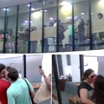 Manifestantes fazem beijaço gay na Assembleia Legislativa | Brasil 24/7 http://t.co/oTYGyk7Ap3 via @tocantins247 http://t.co/FglI1BRVNZ