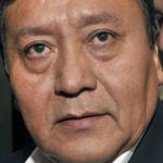 Polémico mensaje en chaqueta de ministro boliviano mientras entregaba ayuda en #NortedeChile http://t.co/9LBKvqTwmK http://t.co/jue8PAk7b4