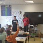 Marcel Appiah bij basisschool t Vossenhol in Groesbeek voor Scoren Voor Gezondheid. Verslag: http://t.co/mm0hJOhQS0 http://t.co/gqcveOXNxW