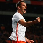 FT: Netherlands 2-0 Spain. @OnsOranje get the better of @SeFutbol in their friendly. http://t.co/0SHWdhu9r0 http://t.co/PHYSudPAmo